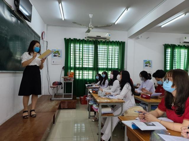 Chùm ảnh: Học sinh Sài Gòn háo hức trở lại trường sau gần 1 tháng nghỉ Tết - 12