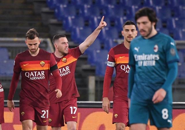 Inter Milan vững ngôi đầu, AC Milan đánh bại AS Roma - 9