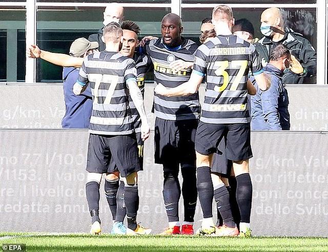 Inter Milan vững ngôi đầu, AC Milan đánh bại AS Roma - 6