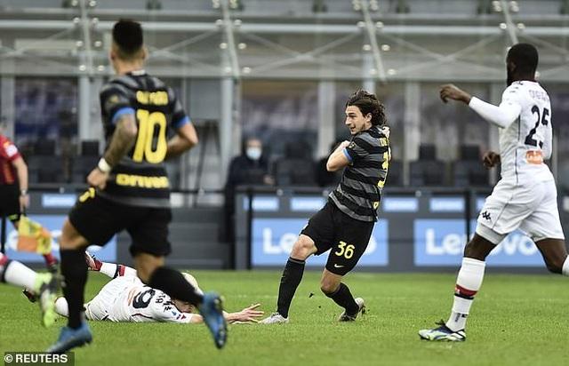 Inter Milan vững ngôi đầu, AC Milan đánh bại AS Roma - 4
