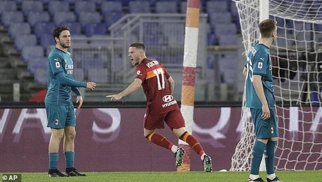 Inter Milan vững ngôi đầu, AC Milan đánh bại AS Roma - 10