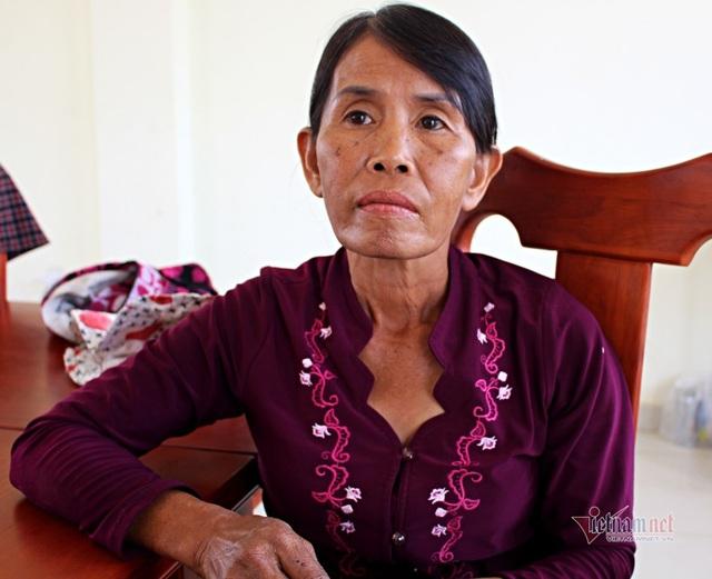 40 năm chăm sóc, bà quản trang kể chuyện linh thiêng bên mộ liệt sĩ - 5