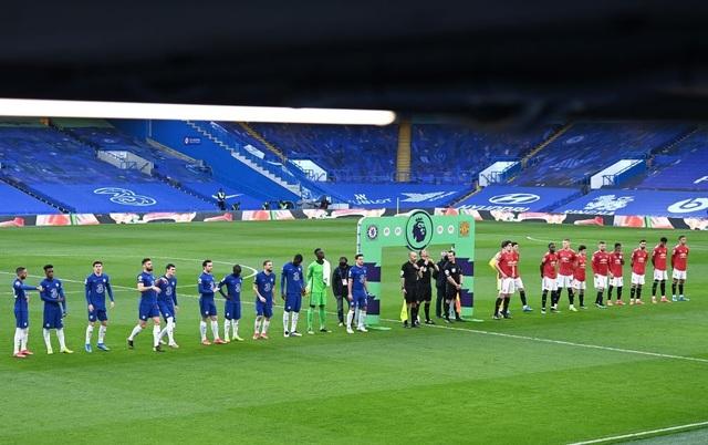 Chia điểm với Chelsea, Man Utd kém Man City 12 điểm - 3