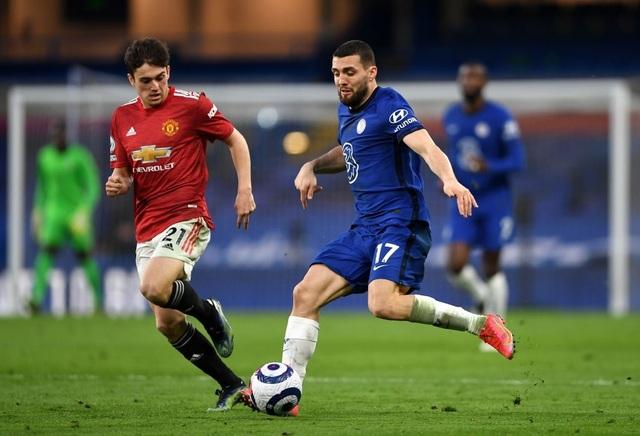 Chia điểm với Chelsea, Man Utd kém Man City 12 điểm - 13