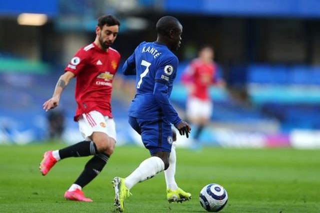 Chia điểm với Chelsea, Man Utd kém Man City 12 điểm - 6