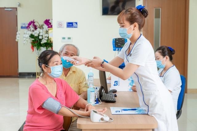 Bệnh viện 5 sao mới thu hút người dân tại TPHCM - 2