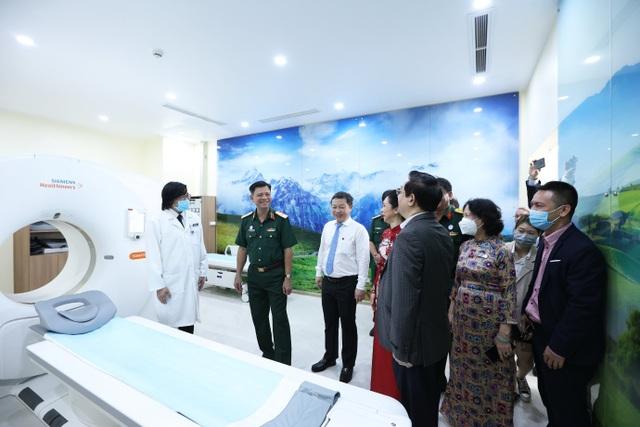 Bệnh viện 5 sao mới thu hút người dân tại TPHCM - 3