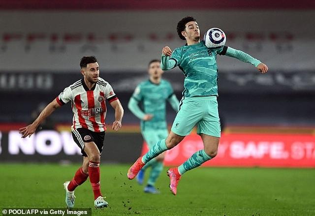 Sao trẻ Liverpool có hành động đẹp sau khi giúp đội nhà giành chiến thắng - 2