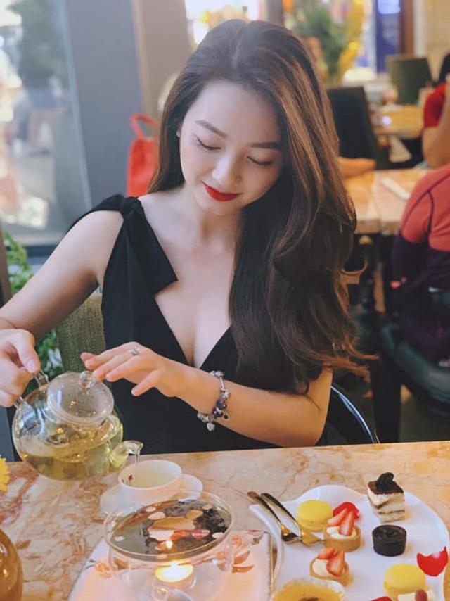 Loạt ảnh bikini nóng bỏng của cô gái mặc áo dài đẹp như Mai Phương Thúy - 14