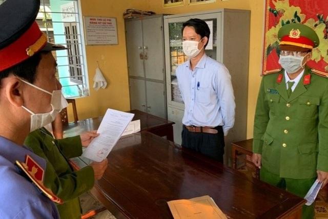 Bắt nguyên Giám đốc Chi nhánh Văn phòng đăng ký đất đai Thành phố Huế - 1