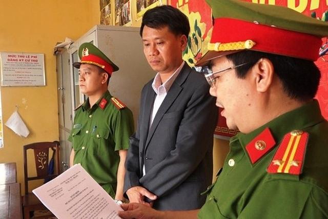Bắt nguyên Giám đốc Chi nhánh Văn phòng đăng ký đất đai Thành phố Huế - 2