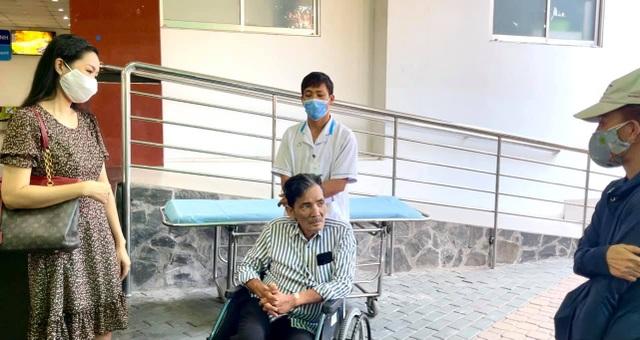 Nghệ sĩ Thương Tín xuất viện về nhà trọ - 3