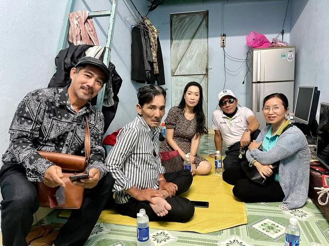 Nghệ sĩ Thương Tín xuất viện về nhà trọ - 5