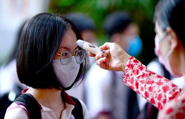 Chùm ảnh: Học sinh Sài Gòn háo hức trở lại trường sau gần 1 tháng nghỉ Tết - 5