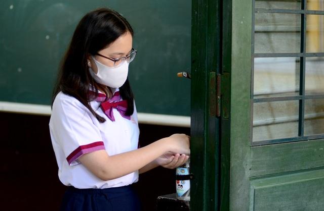 Chùm ảnh: Học sinh Sài Gòn háo hức trở lại trường sau gần 1 tháng nghỉ Tết - 8