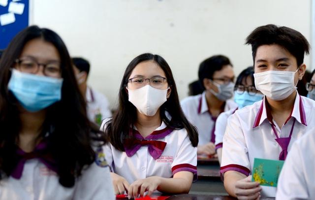 Chùm ảnh: Học sinh Sài Gòn háo hức trở lại trường sau gần 1 tháng nghỉ Tết - 9