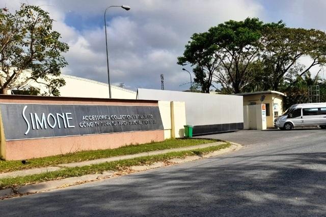 Công nhân Công ty Simone đi làm lại sau khi lương tăng 250.000 đồng/người - 1