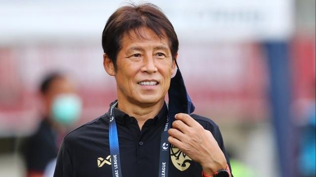 HLV Akira Nishino trở lại, giới bóng đá Thái Lan thở phào - 1