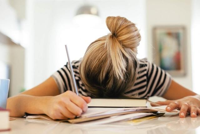 Đừng để rung động đầu đời của học trò thành nhát dao kết liễu tương lai - 1