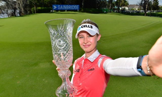 Vẻ đẹp hút hồn của nữ golf thủ 16 tuổi vừa đoạt Cúp Gainbridge LPGA - 6