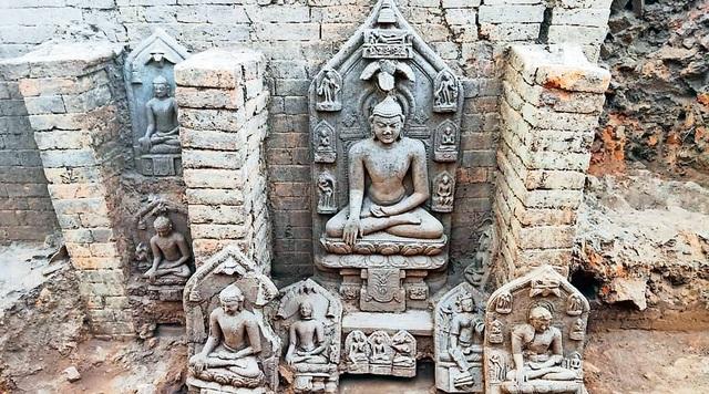 Phát hiện dấu tích và khai quật hàng chục pho tượng Phật nghìn năm tuổi - 1
