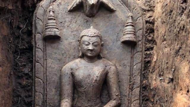 Phát hiện dấu tích và khai quật hàng chục pho tượng Phật nghìn năm tuổi - 3