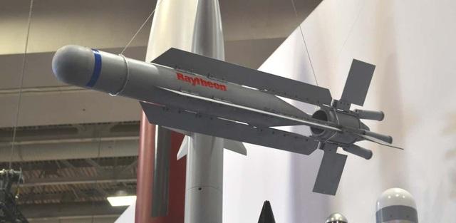 Mỹ phát triển đội máy bay không người lái cảm tử, tấn công kiểu bầy đàn - 1