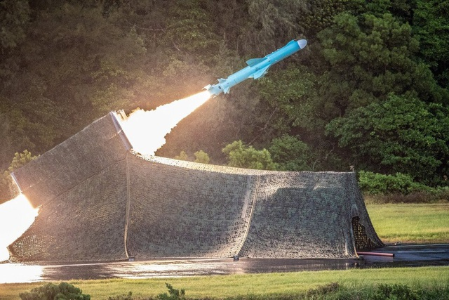 Đài Loan ồ ạt phóng tên lửa trong tháng Trung Quốc tập trận - 1