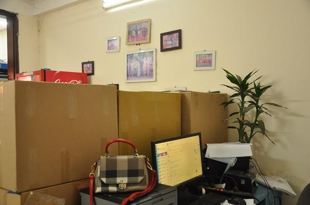 Khốn đốn vì Covid-19, nữ giám đốc đi buôn hoa quả, biến văn phòng thành kho chứa hàng - 4