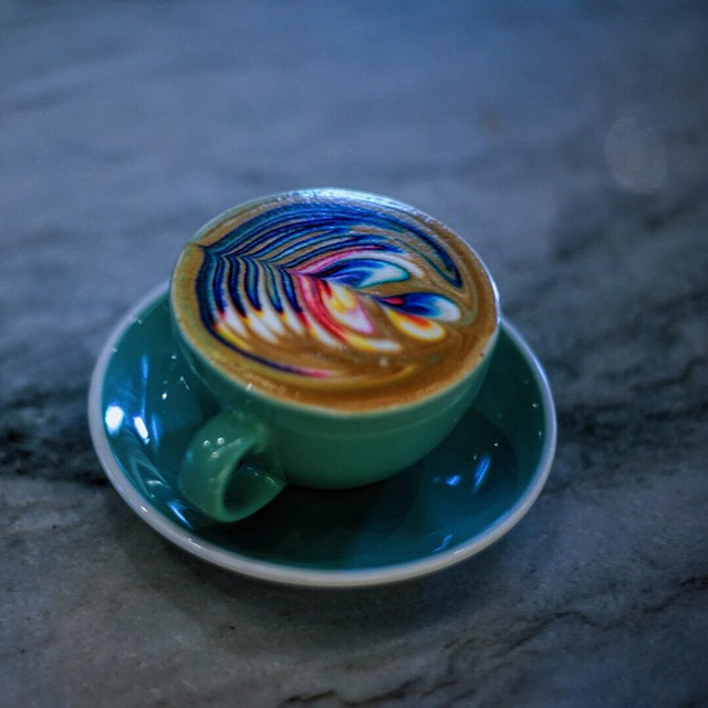 Mãn nhãn với những ly latte bảy sắc cầu vồng - 4