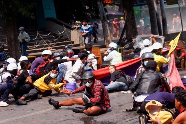 18 người biểu tình thiệt mạng trong một ngày tại Myanmar - 1
