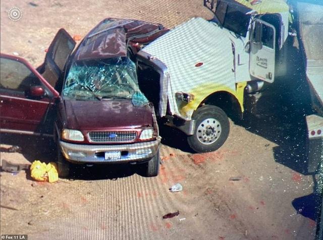 Tai nạn thảm khốc tại Mỹ, ít nhất 13 người chết - 1