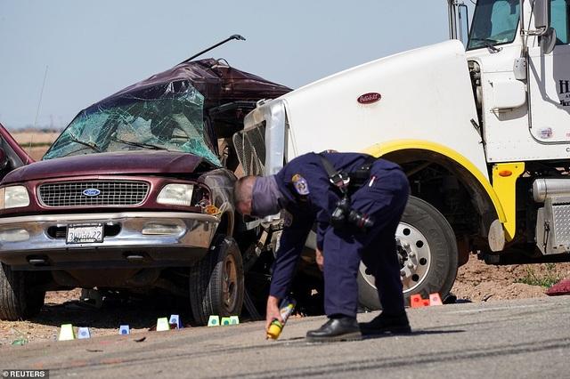 Tai nạn thảm khốc tại Mỹ, ít nhất 13 người chết - 6
