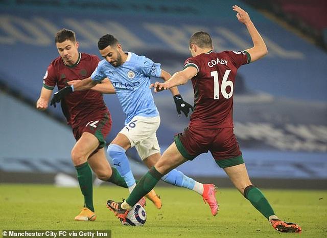 Man City bỏ xa Man Utd 15 điểm, HLV Guardiola tuyên bố không chủ quan - 3