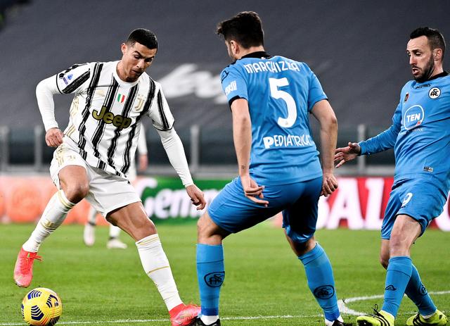 C.Ronaldo lập công, Juventus bám đuổi Inter và AC Milan - 2