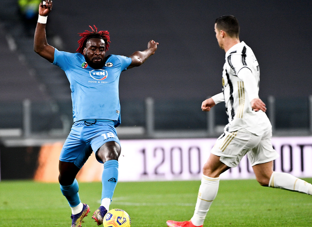 C.Ronaldo lập công, Juventus bám đuổi Inter và AC Milan - 1