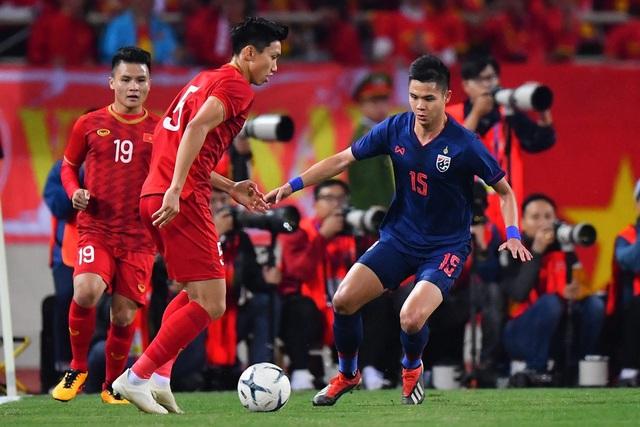 HLV Kiatisuk gây ra bất đồng với giới bóng đá Thái Lan - 2