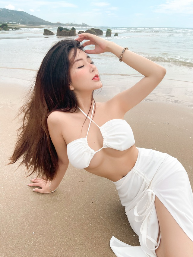 Hot girl Sài thành khoe dáng nuột, eo thon, mừng sinh nhật tuổi 20 - 1