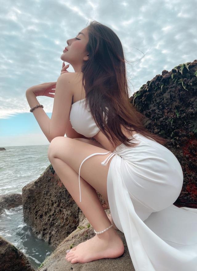 Hot girl Sài thành khoe dáng nuột, eo thon, mừng sinh nhật tuổi 20 - 9