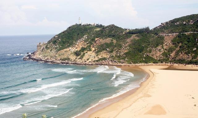 Khung cảnh kỳ vĩ ở nơi đón ánh bình minh đầu tiên trên đất liền Việt Nam - 1