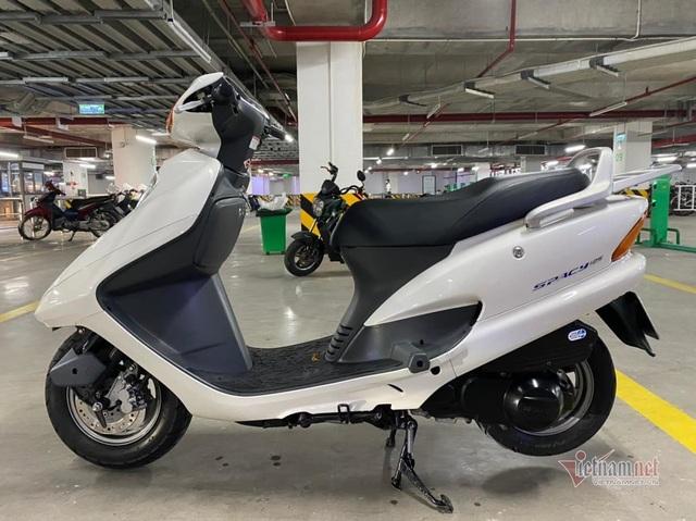 Săn cặp đôi Honda Spacy với giá gần 600 triệu đồng ở Hà Nội - 2