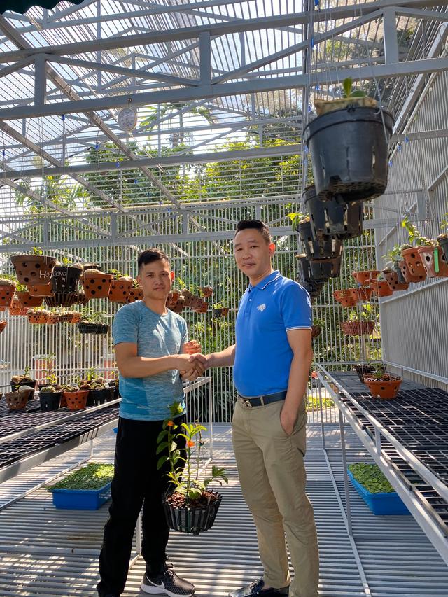 Nghệ nhân Nguyễn Văn Mạnh bật mí cách xử lý cây con, tưới nước cho cây lan - 4