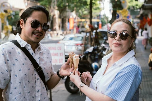 Thanh Hà dành nụ hôn ngọt ngào cho bạn trai khi cùng đi dạo phố - 2