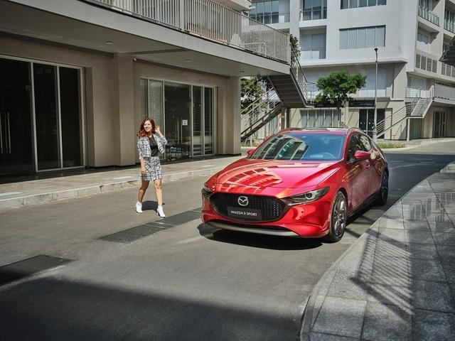 Nữ giới ngày càng ưa chuộng Mazda3 Sport - 1
