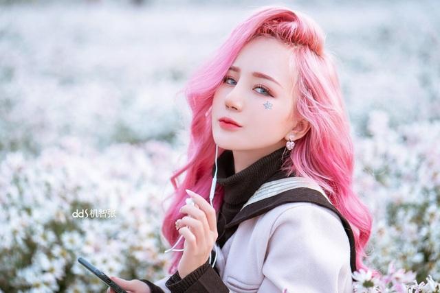 Gặp nữ streamer 9x xứ Nghệ đang hot trên mạng xã hội - 3