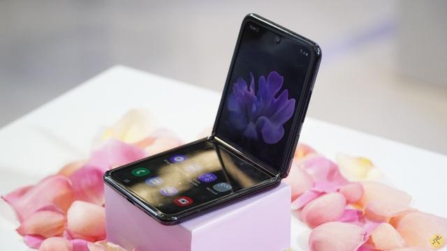 Nhiều mẫu smartphone giảm giá mạnh nhân dịp 8/3 - 1