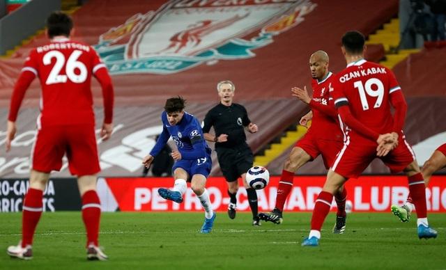 Những khoảnh khắc thảm họa của Liverpool trước Chelsea - 9
