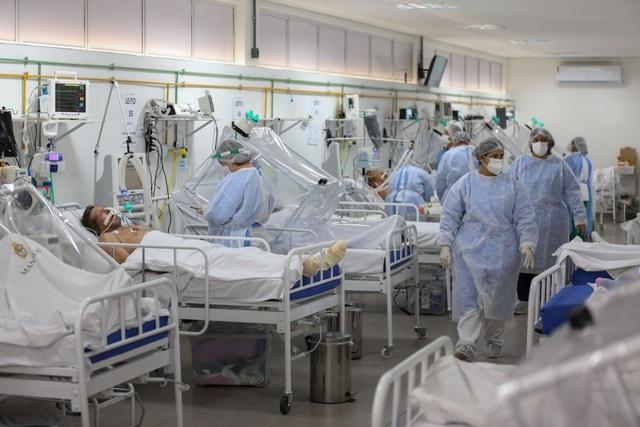 Biến chủng SARS-CoV-2 đẩy Brazil vào cơn ác mộng không hồi kết - 2