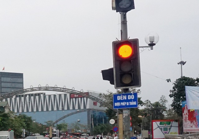 Nghe An: Half crying, half laughing red light we can go straight - 1
