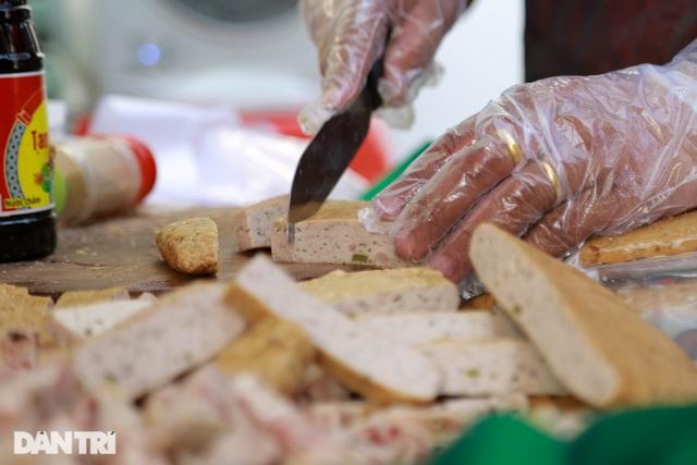 Chuyện về quầy bánh mì 80 tuổi tại Sài gòn - 6
